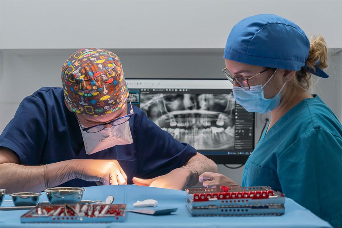 implant dentaire lyon labelia
